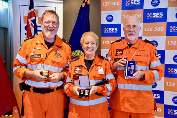 Dawn SES volunteer received her 10 years' service medal